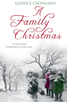 A Family Christmas, Paperback Book