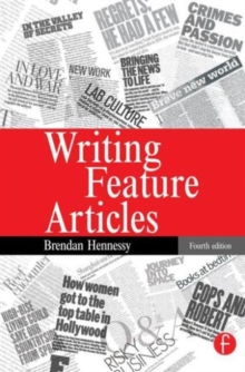 Writing Feature Articles, Paperback