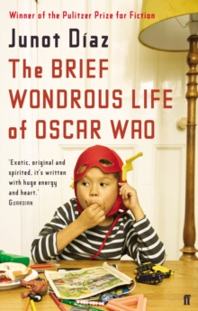 The Brief Wondrous Life of Oscar Wao, Paperback Book