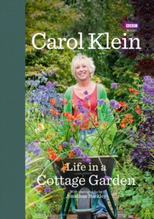 Life in a Cottage Garden, Hardback