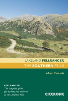The Southern Fells, Paperback Book