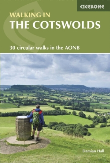 Walking in the Cotswolds, Paperback Book