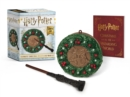 Harry Potter: Hogwarts Christmas Wreath and Wand Set : Lights Up! - Book
