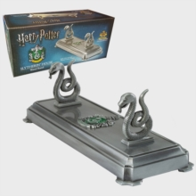 HP - Slytherin Wand Stand, Toy Book