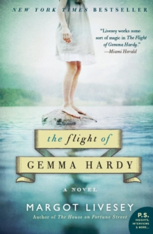 The Flight of Gemma Hardy : A Novel, Paperback Book