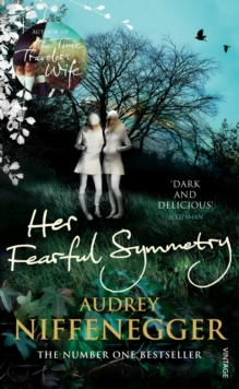 Her Fearful Symmetry, Paperback / softback Book