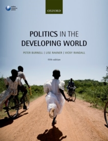 Politics in the Developing World, Paperback Book