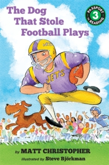 The Dog That Stole Football Plays, Paperback / softback Book