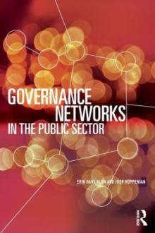 Governance Networks in the Public Sector, Paperback Book