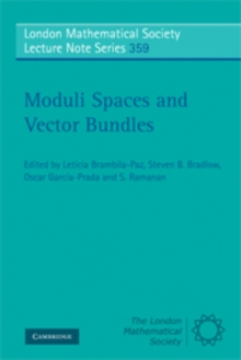 Moduli Spaces and Vector Bundles, Paperback / softback Book