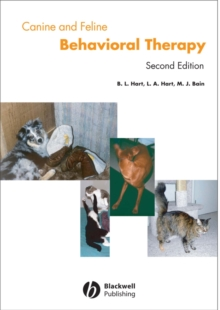 Canine and Feline Behavior Therapy, Hardback Book