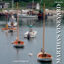 Martha's Vineyard : A Keepsake, Hardback Book