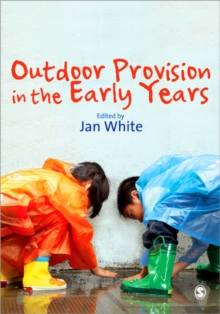 Outdoor Provision in the Early Years, Paperback Book