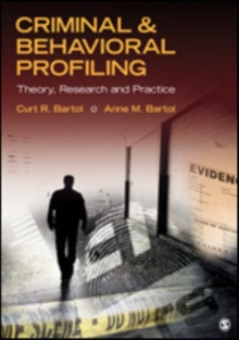 Criminal & Behavioral Profiling, Paperback / softback Book