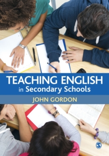 Teaching English in Secondary Schools, Hardback Book