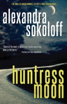 Huntress Moon, Paperback / softback Book