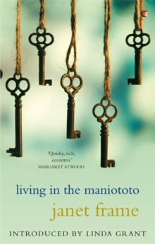 Living In The Maniototo, Paperback Book