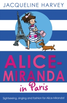 Alice-Miranda in Paris, Paperback Book