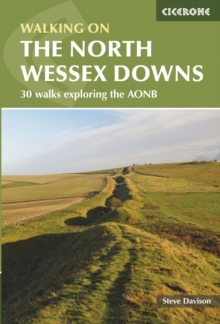 Walking in the North Wessex Downs, Paperback Book