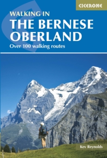 Walking in the Bernese Oberland, Paperback Book