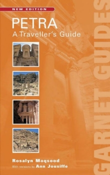 Petra : A Travellers' Guide, Paperback Book