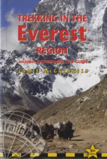 Trekking in the Everest Region : Practical Guide with 27 Detailed Route Maps & 52 Village Plans, Paperback Book