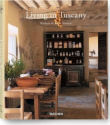 Living in Tuscany, Hardback Book